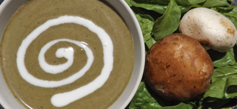 Satisfying Creamy Mushroom Spinach Soup